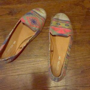 Comfy slip on shoes!!